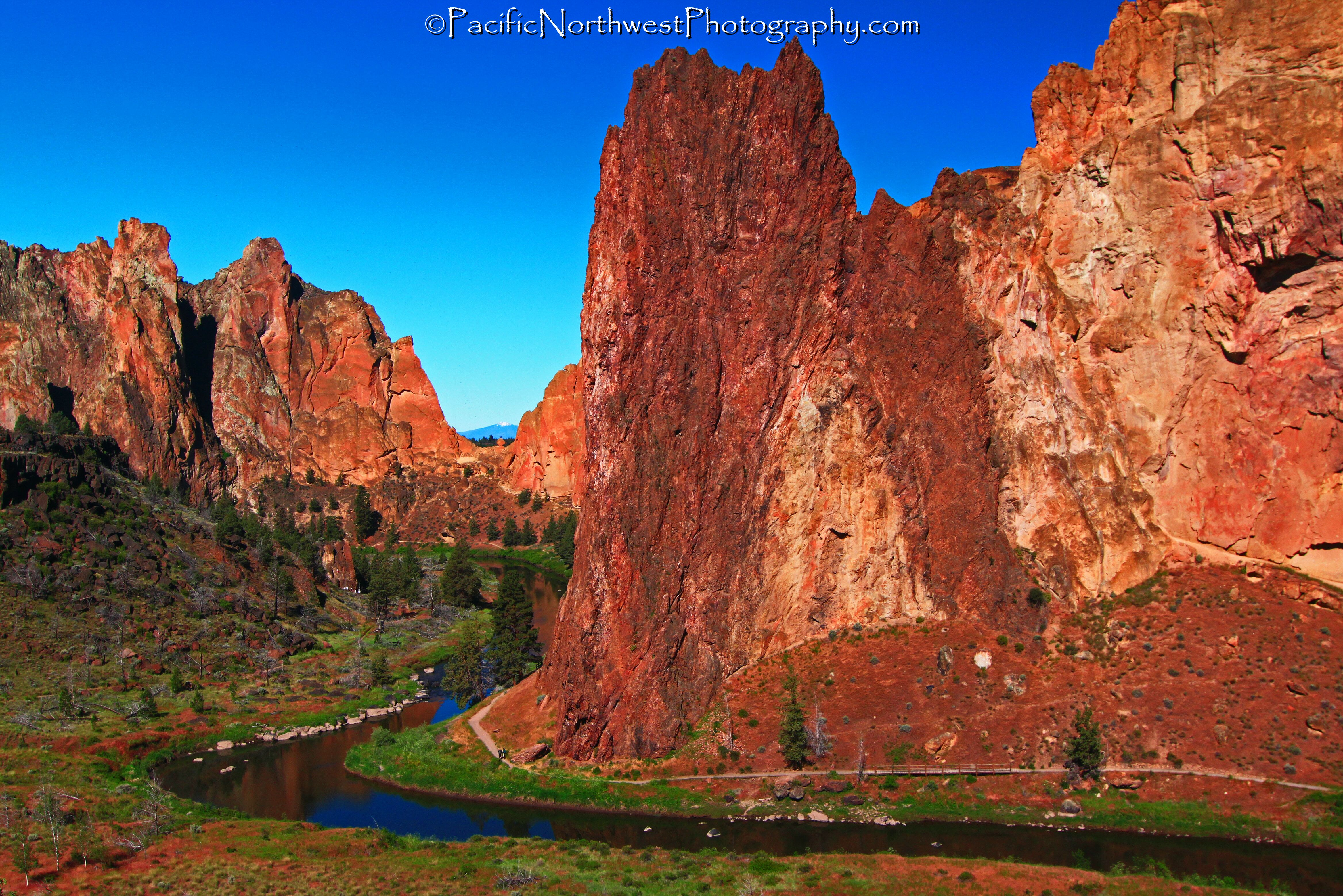 Smith Rock and the Crooked river