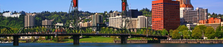 Hawthorne Bridge in Portland, OR